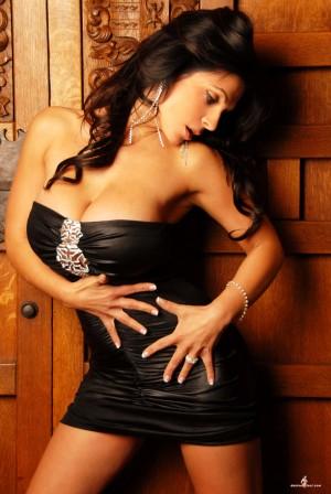 [网络美女]丹尼斯・米兰妮(Denise Milani)超高清写真大图片(43P)|88热度