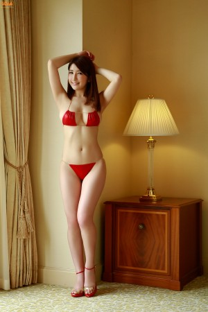 [Bomb.TV]亚里沙(亜里沙)2013年07月号超高清写真大图片(19P)|307热度