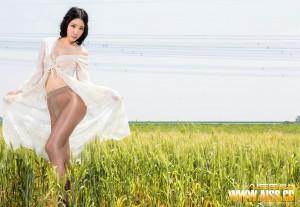 [爱丝]美昕Yumi(吴美昕)F5019超高清写真大图片(42P)|693热度