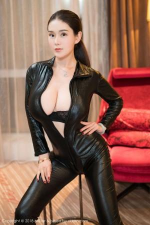 Vol.879 皮衣美女三点式比基尼巨乳内衣诱惑美女模特魅妍社-易阳Silvia完整私房照合集