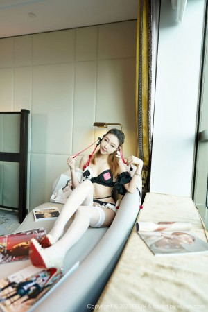 Vol.33 丝袜美腿翘臀COSPLAY情趣制服美女模特嗲囡囡-冯木木LRIS完整私房照合集