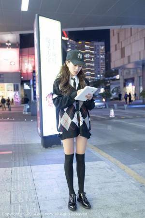Vol.675 黑丝美腿学生装街拍美女白衬衫职场OL美女模特秀人网-杨紫嫣完整私房照合集