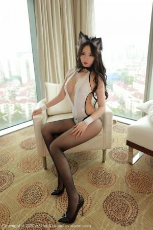 Vol.212 猫女郎黑丝美腿翘臀丁字裤美女模特模范学院-小波多完整私房照合集