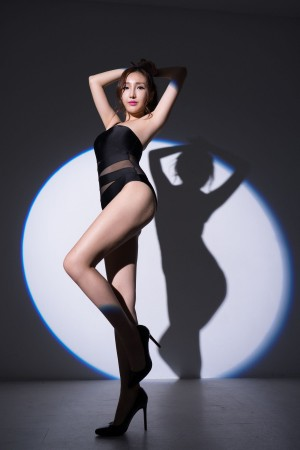 VOL.1706 [台湾正妹]COSPLAY嫩模:赵芸(腿模Syuan,Syuan赵芸)超高清个人性感漂亮大图(68P)