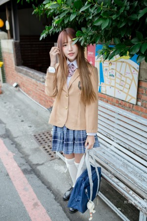 VOL.1888 [台湾正妹]校服街拍萌女学生装:比比儿(Katie Chiu)超高清个人性感漂亮大图(47P)