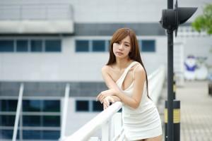 VOL.18 [台湾正妹]美腿外拍包臀裙美女:张菁菁Arlena(张菁菁Arlena)超高清个人性感漂亮大图(43P)