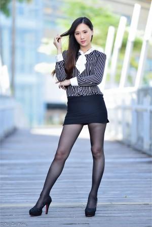 VOL.1670 [台湾正妹]丝袜美腿OL美女街拍美臀黑丝制服:张小米超高清个人性感漂亮大图(88P)