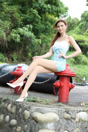 VOL.1851 [台湾正妹]超短裙包臀裙美女:蔡译心(Candice)超高清个人性感漂亮大图(135P)