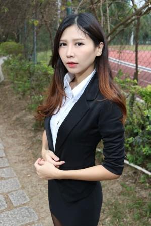 VOL.3 [台湾正妹]街拍丝袜美腿黑丝OL美女西装美女:Zooey超高清个人性感漂亮大图(40P)